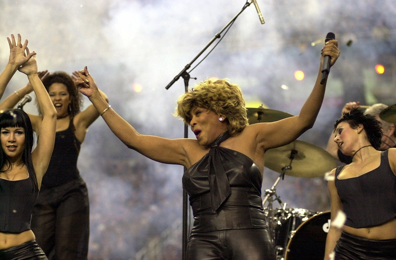 Tina Turner performs during the Superbowl pre-game show - January 30, 2000 - 13