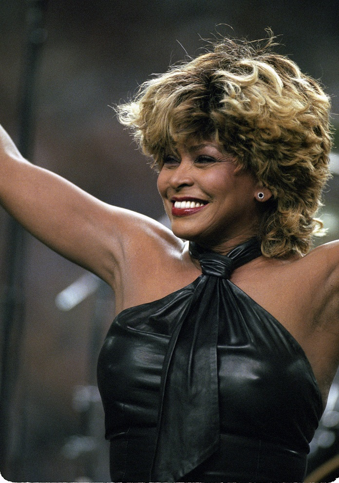Tina Turner performs during the Superbowl pre-game show - January 30, 2000 - 6