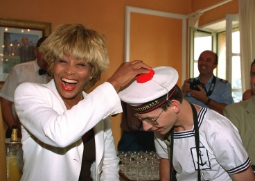 Tina Turner - receiving honorary citizenship of Villefranche sûr Mer - 4