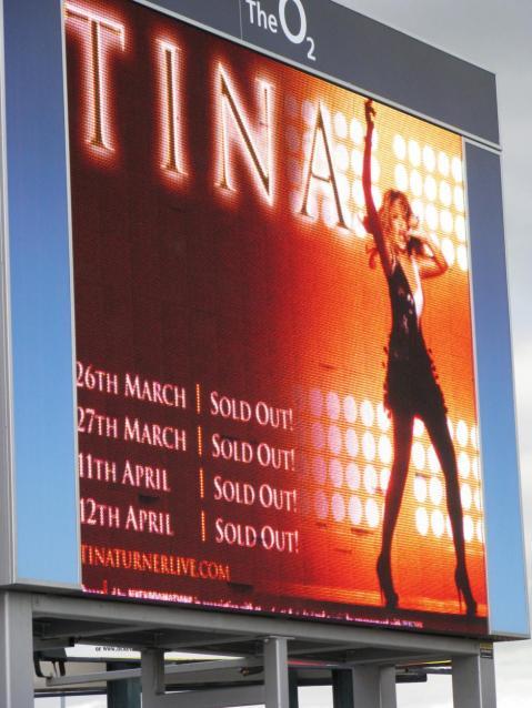 Tina Turner - The O2, Dublin - April 11, 2009 - 001