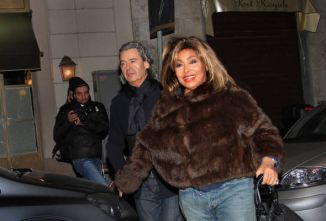 Tina Turner - Armani Fashion Show Milano Feb 2011 6