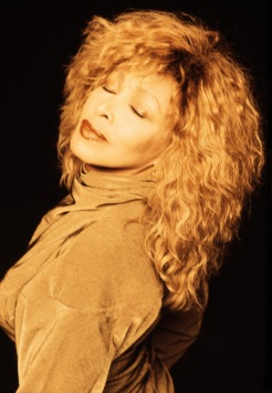Tina Turner - Look Me In The Heart photo session - 1989 (7)