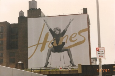 Tina Turner - Hanes advertisement (4) - USA - 1997