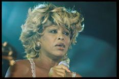 Tina Turner live at Macy's Passport Unplugged session - September 18 1997 - 1