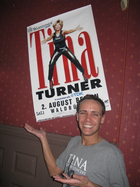 Tina Turner birthday fan party 2012 (7)