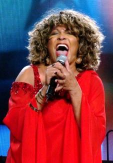 Tina Turner - Sheffield, UK - May 5, 2009 (6)
