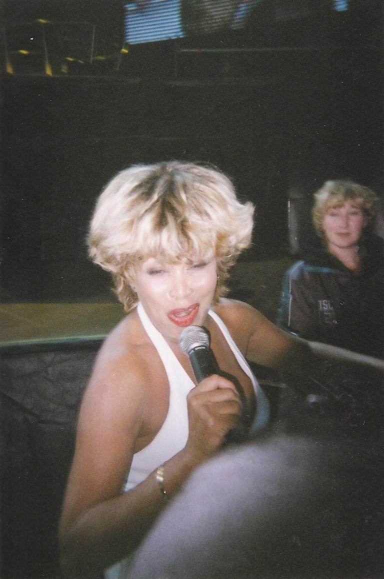 Tina Turner - Groningen - July 18, 2000 - 03