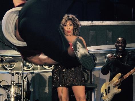 Tina Turner - Ninjas - Live 2009 .jpg