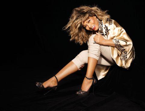 Tina-Turner-2008_Andrew-Macpherson-4