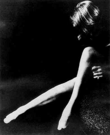 milton-h.-greene-marlene-dietrich---legs